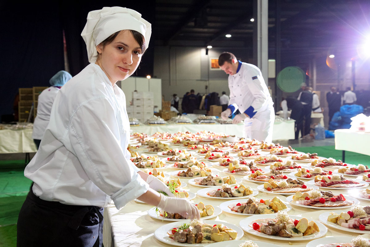 importance of training in catering industry Notes for catering and hospitality management,and catering students : organisations within the hospitality and catering industry rely on the importance.